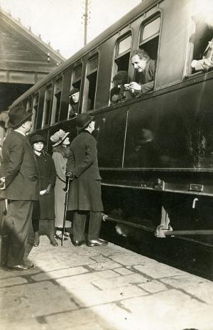 Einstein a l'estació de França