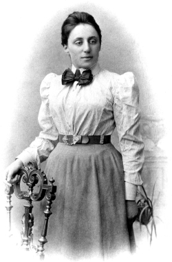 Emmy Noether (23/03/1882-14/04/1935)
