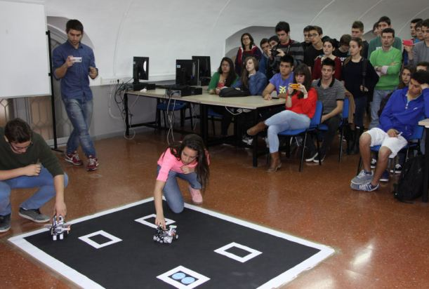 Competició de robòtica a la Matefest-Infofest 2014. Fotografia de la UB