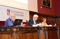 El doctor Pla, el doctor Casacuberta (degà de la Facultat) i Montserrat Garrich, cap del CRAI Biblioteca de Matemàtiques i Informàtica